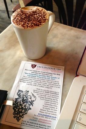 Cappuccino en The Troubadour