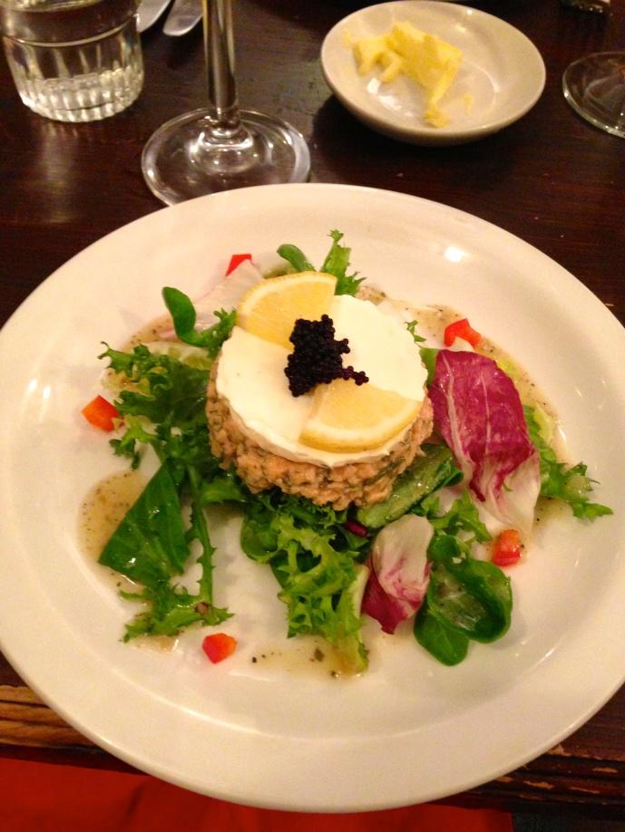 Tarta de Salmón con queso y caviar