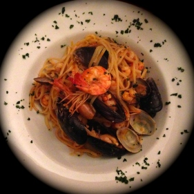 Linguini con Frutos de Mar