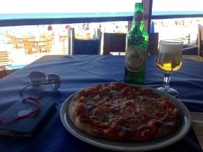 Pizza con Prosciutto y Cerveza