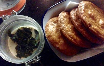 Queso y Galletas / Cheese and Crackers