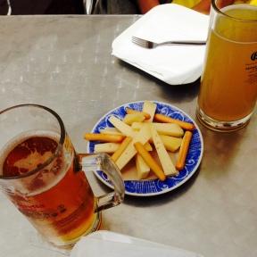 Quesos y cervezas