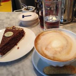 Cappuccino y Torta